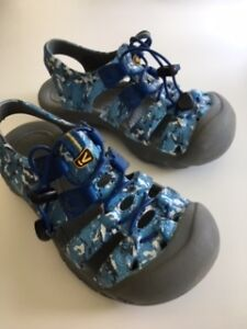 Keen Sandals - Youth size 1 (Blue)