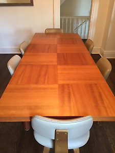 Dining table with leaf-seats 8+