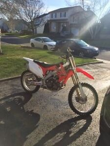 Honda CRF 450R 2011 *** TRES PROPRE *** NO TRADE ***