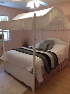 Girls Double Canopy Bed.