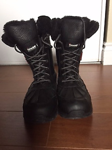Women's Thinsulate Snow Boots Size 8 (need gone asap)
