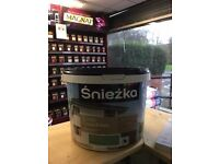 Masonry paint green 100L for £100