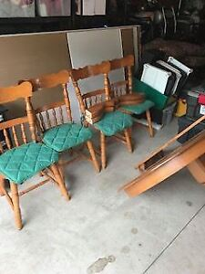 Solid Oak Table and 4 Chairs and leaf.