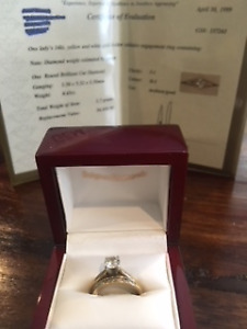 Diamong Engagement ring and matching wedding band