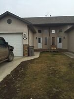 6917 112st $1700.00 Beautiful 3 bedroom DUPLEX