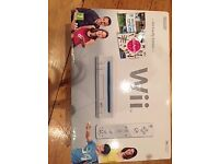 NINTENDO Wii FAMILY EDITION in box 1 + Wii Party + Wii Sports + Wii remote plus + 1 Nunchuk