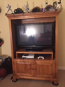 Beautiful Solid wood entertainment centre