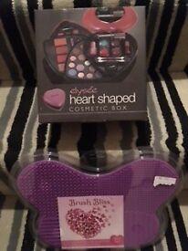 New Heart Shape Make-up Set & Make-Up Mat
