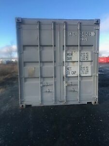 PAINTED USED 20' SHIPPING CONTAINERS / SEACANS FOR SALE.