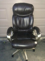 Executive Leather Chair – Excellent condition