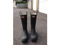 Steel toe cap wellington boots