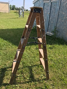 Heavy Wood Step Ladder