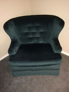 Beautiful antique love seat/chair