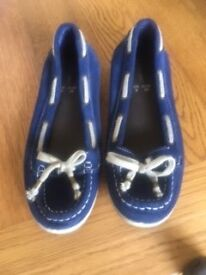 Love Label suede shoes size 6 blue