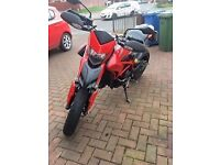 2014 Ducati Hypermotard 821 - 5800Miles - New MOT
