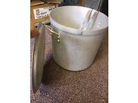 37.8 litre Vogue Aluminium Stock Pot