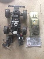Nitro truck teleguide a gaz 4X4 / Nitro Gas powered 4X4 RC truck