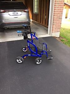 Déambulateur/fauteuil roulant