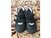 Beautiful Reima shoes size 9,5