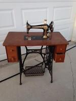 Antique Sewing machine. In great condition! $175 OBO