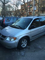 2006 Silver Dodge Grand Caravan in Great condition