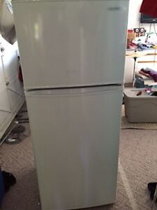 ***FREE****Diplomat Fridge/freezer DFF8801W