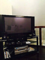 """42 """" PIONEER PLASMA TV MINT CONDITION BARELY USED WITH EXTRAS"""