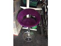 Single bar stool, swivel and height adjustable
