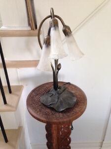 Tiffany lily 3-light table lamp Peterborough Peterborough Area image 1