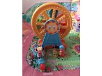 Happyland Big wheel and Ice cream van x 2 characters