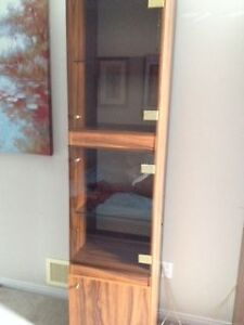 Display cabinet with glass doors and lighted interior Gatineau Ottawa / Gatineau Area image 3