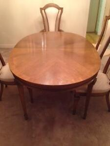 Dining Room Set: Great Condition,  Fantastic Price