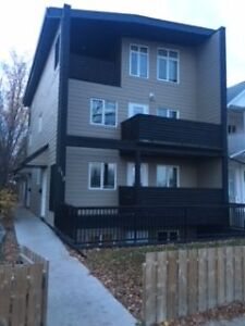 219 Avenue H South - RENOVATED