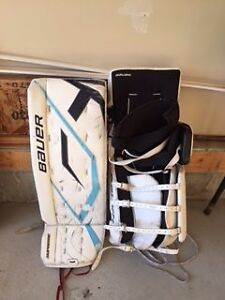 Bauer Supreme 32+1 Goalie Pads, Senior Glove and Blocker Strathcona County Edmonton Area image 2