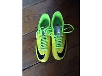 NIKE FOOTBALL BOOTS ALMOST NEW