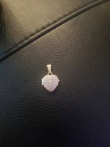 10k Yellow Gold Heart Locket