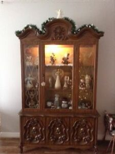 Display and China cabinet with hutch