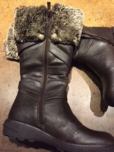 Comfy Moda XVNER Women's Winter Boots Kingston Kingston Area image 5