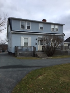 HUGE 5 BEDROOM HOME - PLEASANT ST - DARTMOUTH