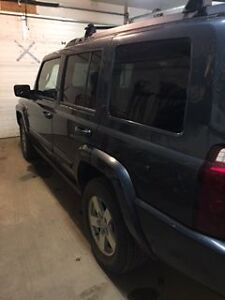 2007 Jeep Commander SUV, Crossover