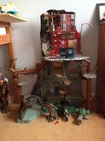 Teenage Mutant Ninja Turtle Lair and Toys