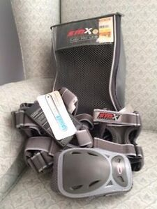 Elbow and Knee Pads - Women's Size Small Cambridge Kitchener Area image 2