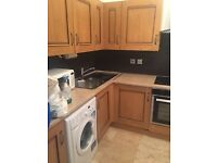 Lovely 2 Bedroom Flat to Rent in Ladbroke Grove