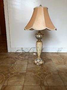Lampe de Table #### Table Lamp