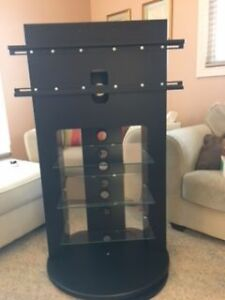 Swilvelling TV Stand