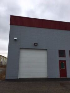 Commercial Bay for rent in Industrial Park