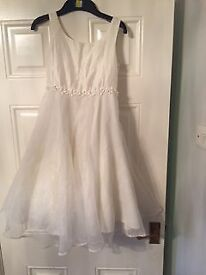 Beautiful cream bridesmaid, holy communion, confirmation dress aged 8