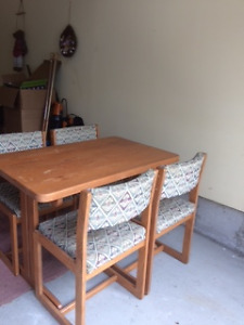 Wooden Table / four chairs