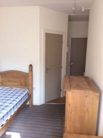 available now- single EN-SUITE Room, Liverpool 3 -Pall Mall- Bills included