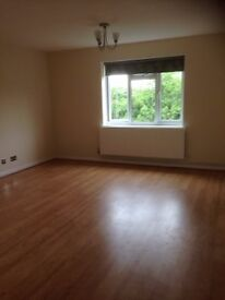 2 Bedroom Flat in Excellent Condition with Parking. Available Now £1200 per month.